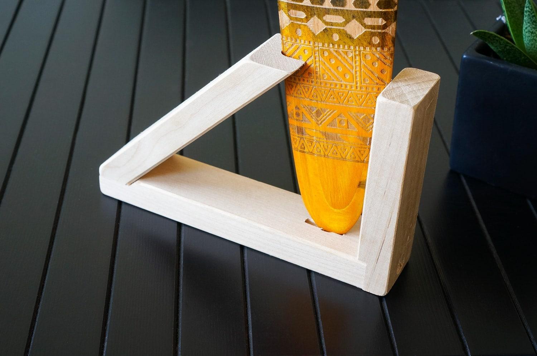 medinis stovelis, laikiklis bumerangui